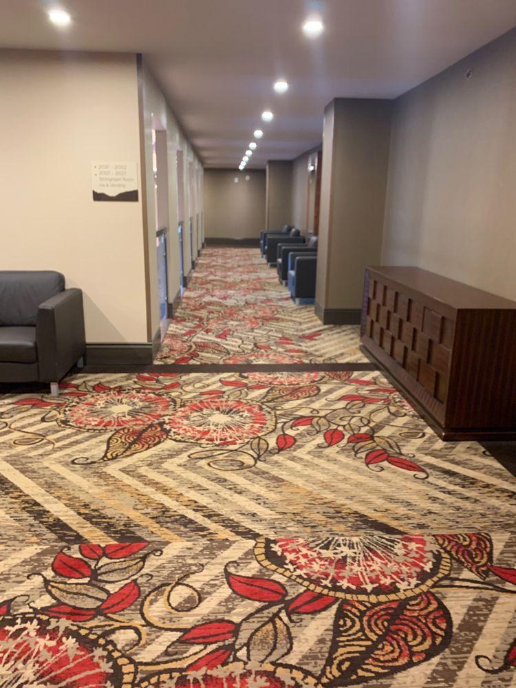 Legends Casino Hotel: 580 Fort Rd, Toppenish, WA