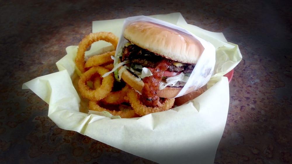 TX Burger - Rockdale: 237 W Cameron Ave, Rockdale, TX