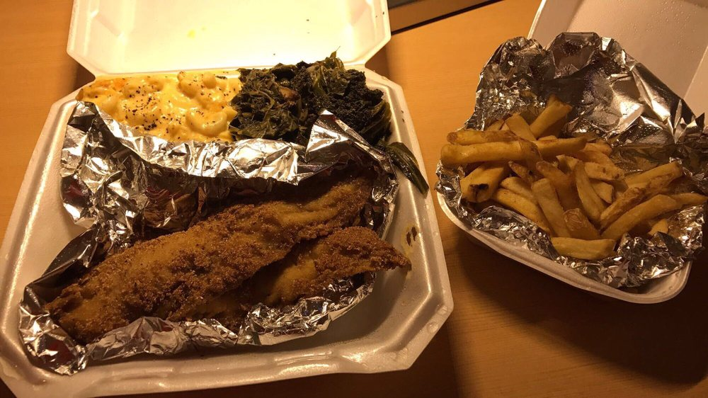 Mi Mi's Southern Style Cooking: 126 E New Circle Rd, Lexington, KY