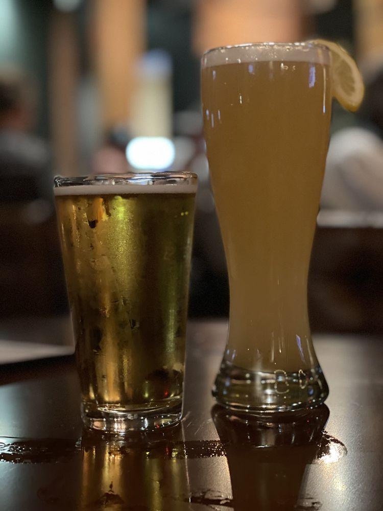 BlackHorse Pub & Brewery: 441 N Hall Rd, Alcoa, TN