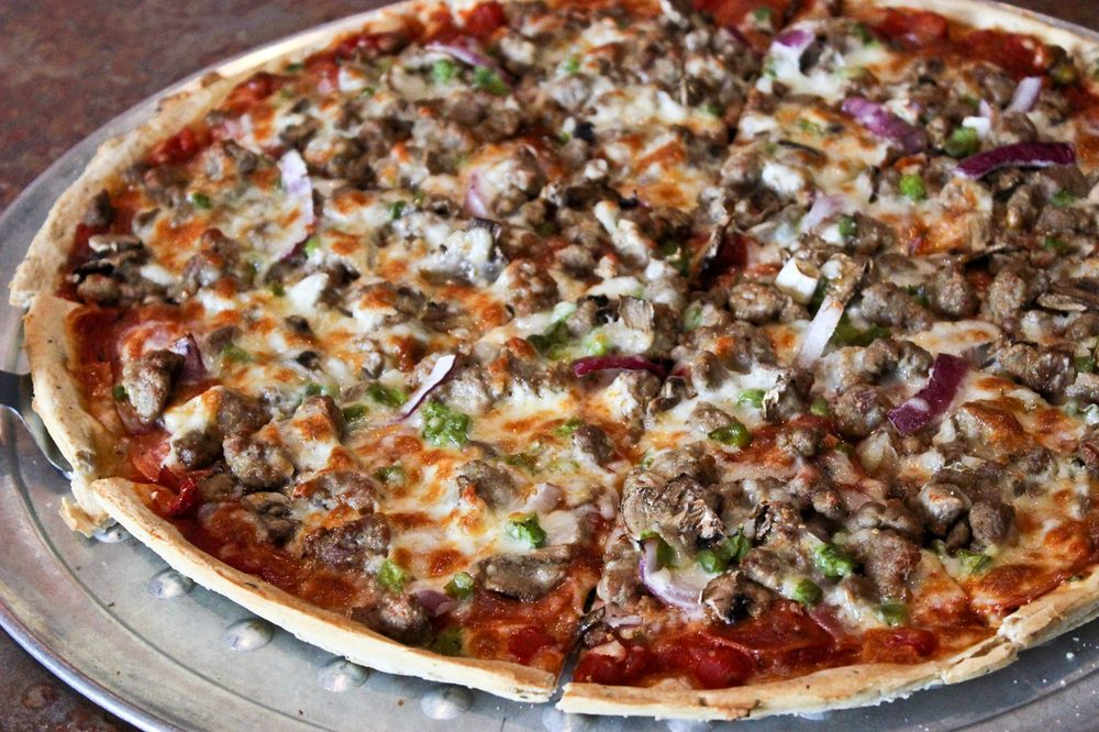 Gusano's Pizza: 1094 E Henri De Tonti, Springdale, AR