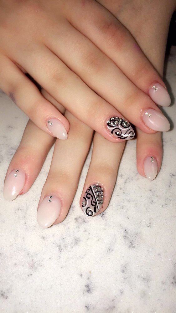 Spa & Nails Divine: 5600 William Flynn Hwy, Gibsonia, PA
