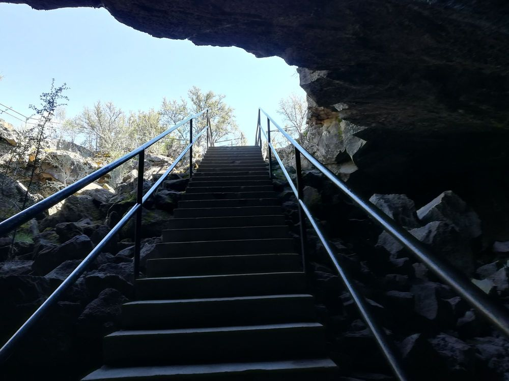 Subway Cave & Lava Tubes: Unnamed Rd, Hat Creek, CA