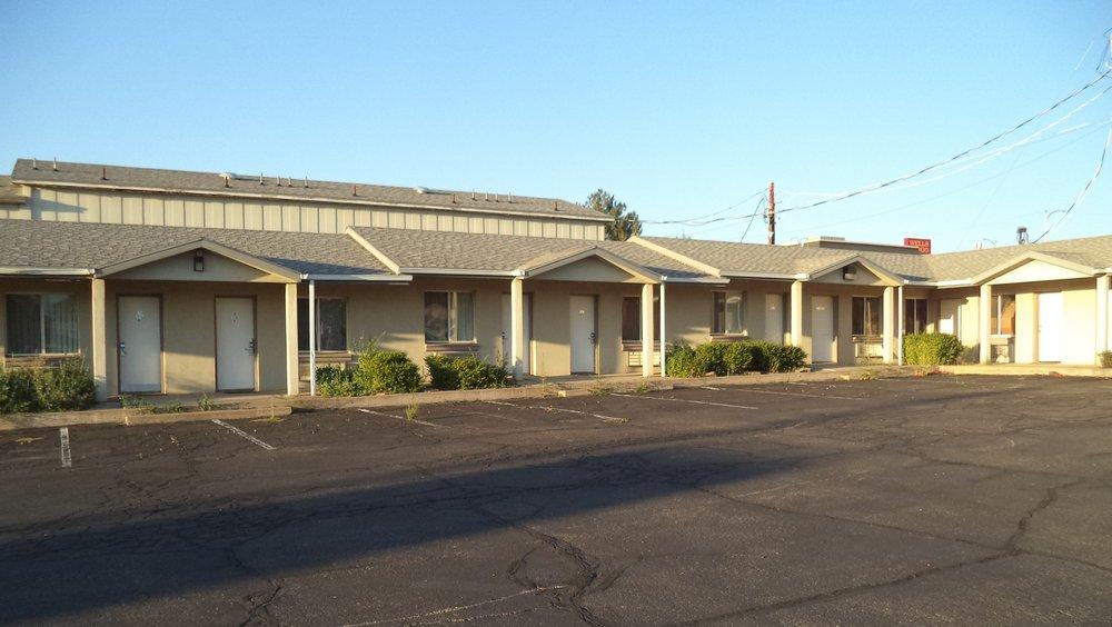 Gateway Inn: 88 E Center St, Blanding, UT