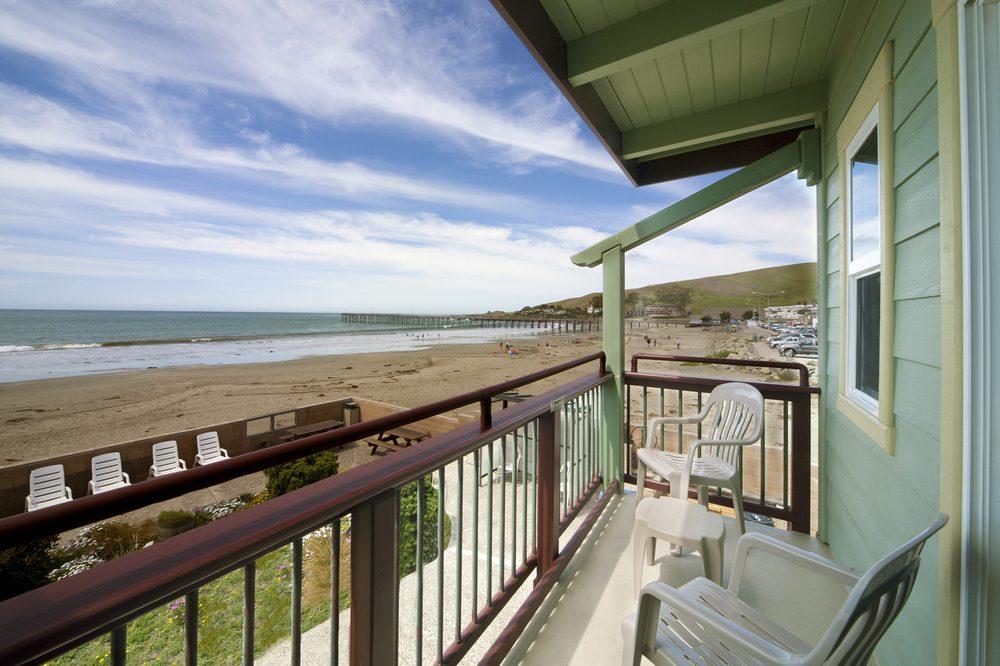 Shoreline Inn: 1 N Ocean Ave, Cayucos, CA