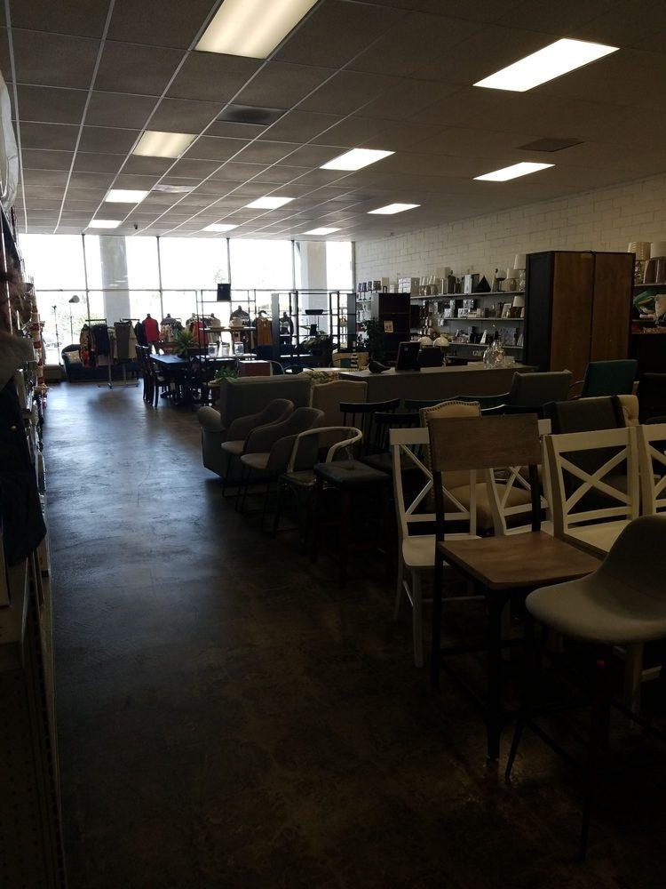 Garcia's Outlet: 518 Workman Mill Rd, La Puente, CA