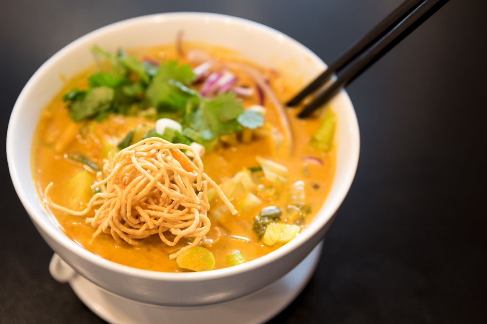 Thai Kitchen - Florissant: 8458 N Lindbergh Blvd, Florissant, MO