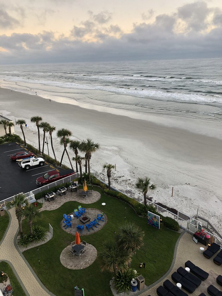 Daytona Seabreeze, A Bluegreen Resort - Slideshow Image 1