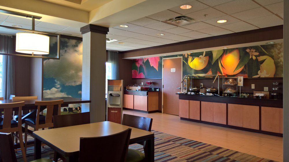 Fairfield Inn & Suites Cordele: 2001 16th Ave E, Cordele, GA