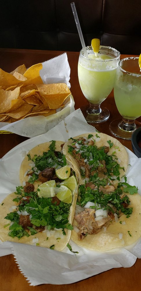 Los Compadres Mexican Grill: 2766 Belle Chasse Hwy, Gretna, LA