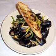 Go fish restaurant seafood 27 coogan blvd mystic ct for Go fish mystic