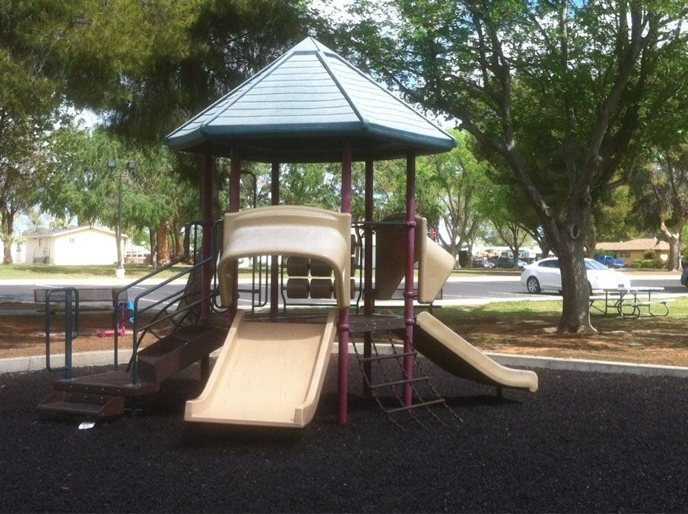 Keck Park & Community Center CHRPD: 555 Monroe St, Coalinga, CA