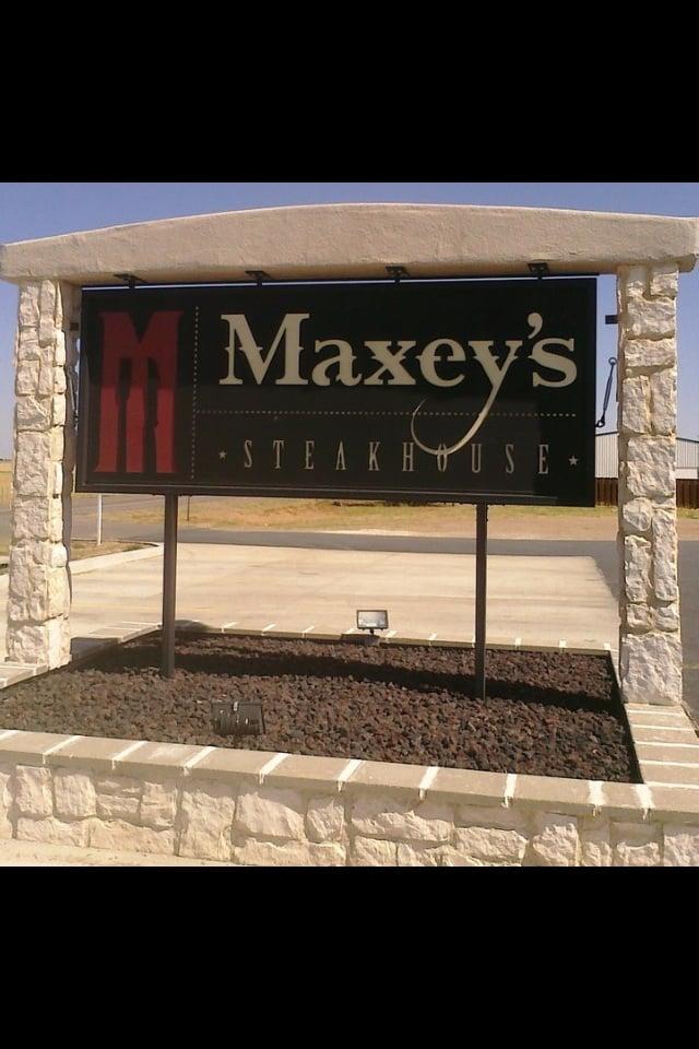 Maxey's Steakhouse: Hwy 83, Wheeler, TX