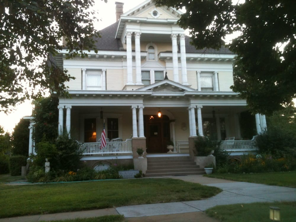 Cambridge Bed & Breakfast: 606 Parker St, Cambridge, NE