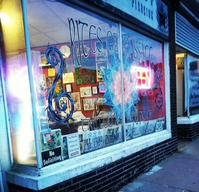 Rites of passage tattoo 624 15th st moline il for 15th street tattoo