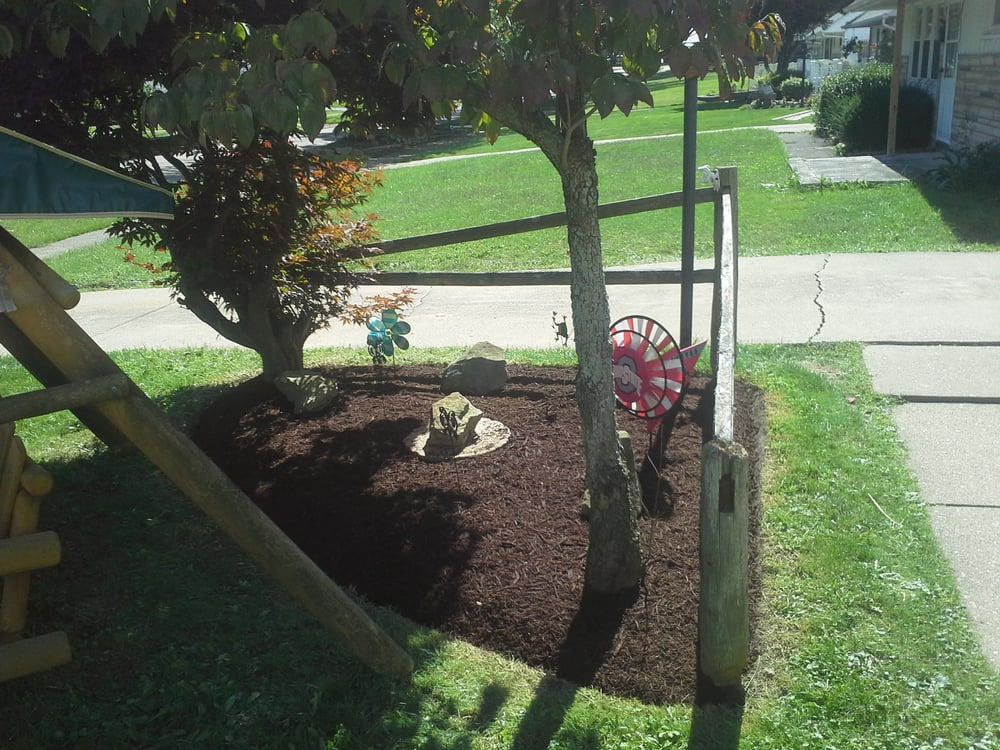 Summer Styles Landscape & Lawn: 230 N Beverly Ave, Austintown, OH