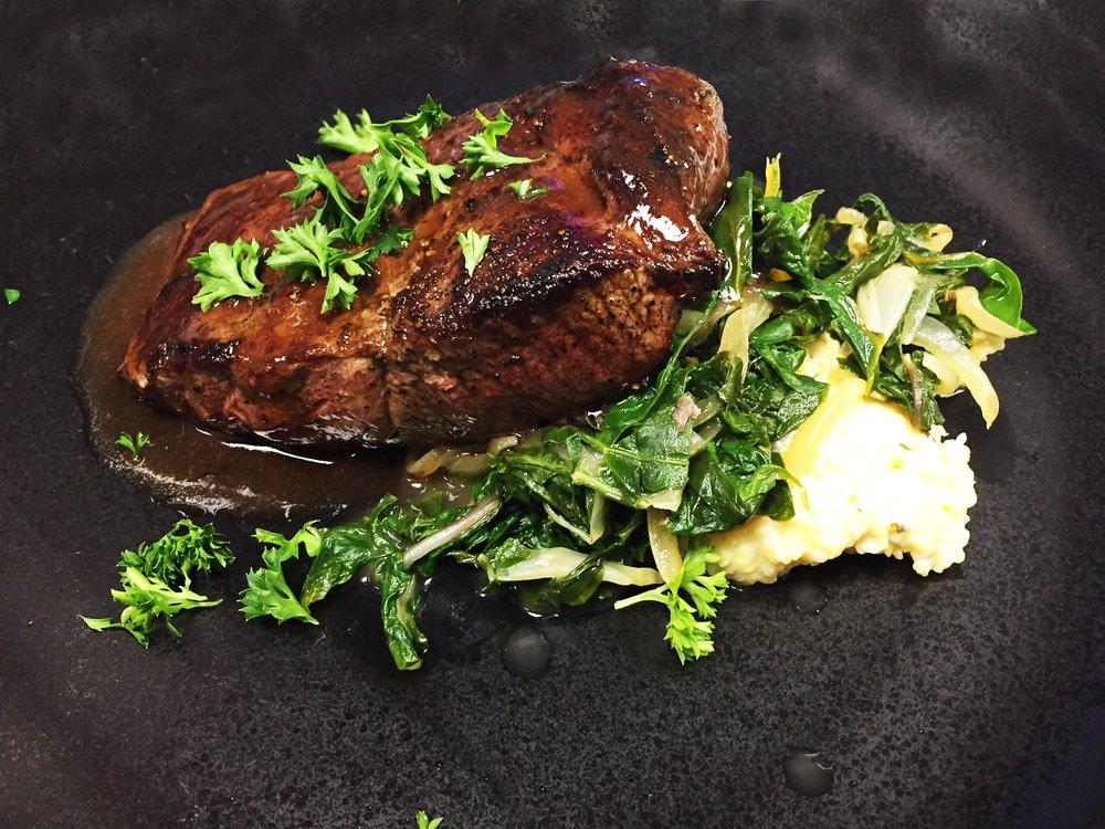 Greenwood Pier Restaurant: 5928 S Hwy 1, Elk, CA