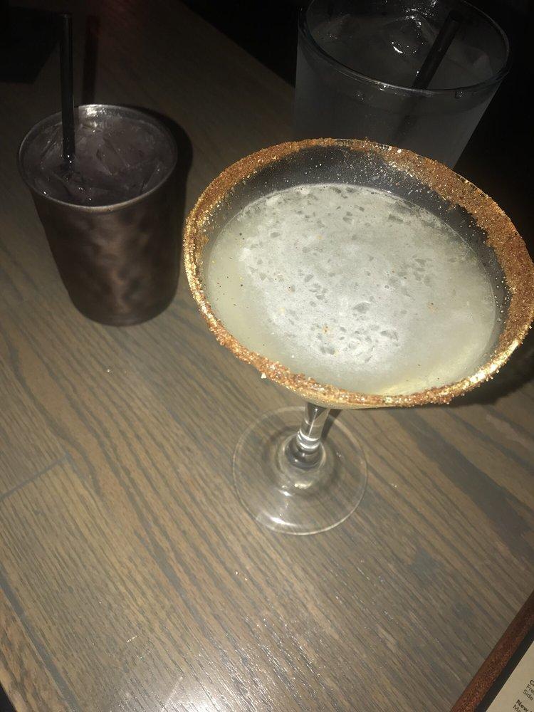 Flips Neighborhood Bar: 1071 Country Club Rd, El Paso, TX