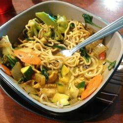 Wok inn noodle 37 fotos 82 beitr ge chinesisches for 4912 thai cuisine