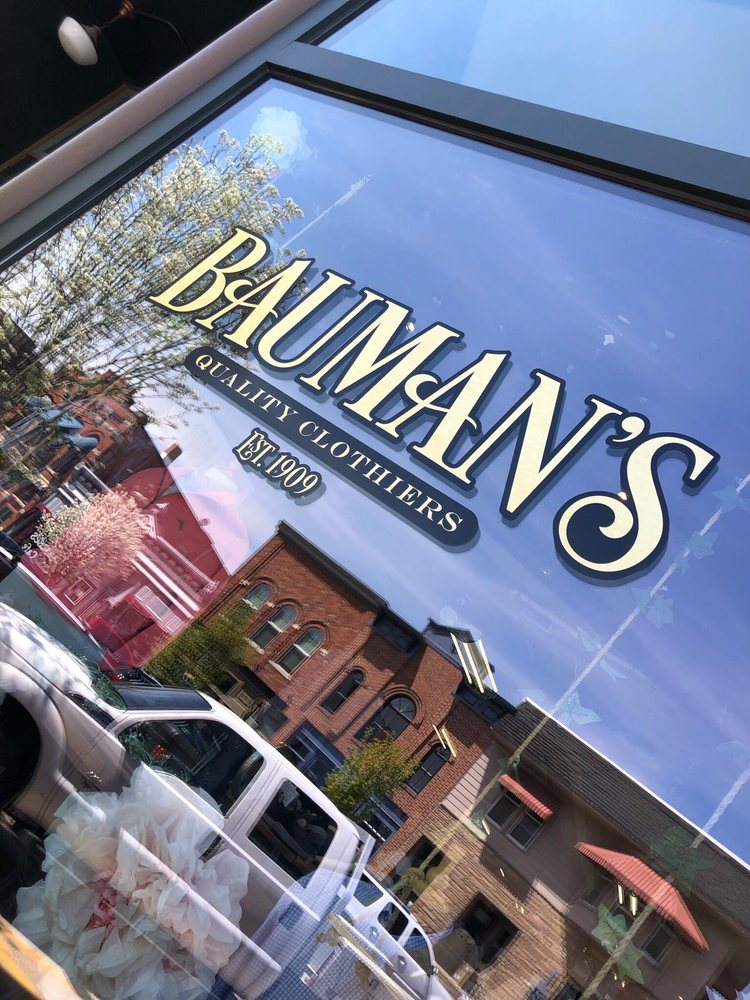Baumans: 124 1st St SW, Mount Vernon, IA