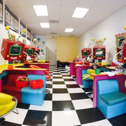 Lollipop family salon photo studio 44 16 for 16 image the family salon