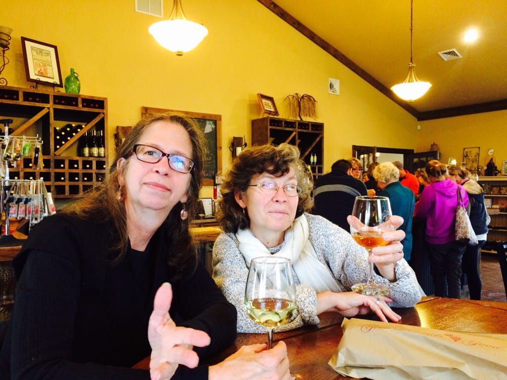 Willow Ridge Vineyards and Winery: 1796 N 1475 E Rd, Shelbyville, IL