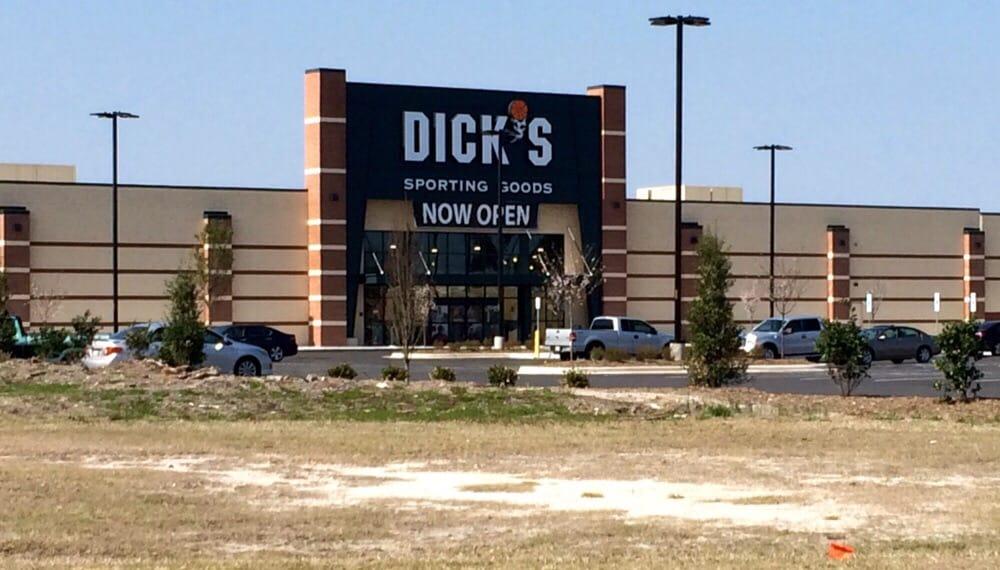 DICK'S Sporting Goods: Berkeley Mall Ring Rd, Goldsboro, NC