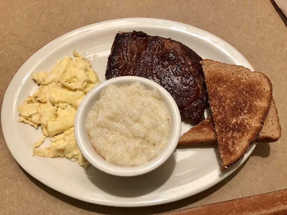 Ma's Diner: 6668-9 Thomasville Rd, Tallahassee, FL