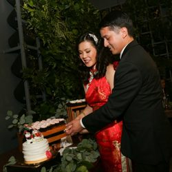 060074b90 Photo of Vinshop USA - Rowland Heights, CA, United States. cake cutting