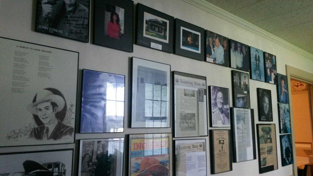 Hank Williams Museum: 127 Rose St, Georgiana, AL