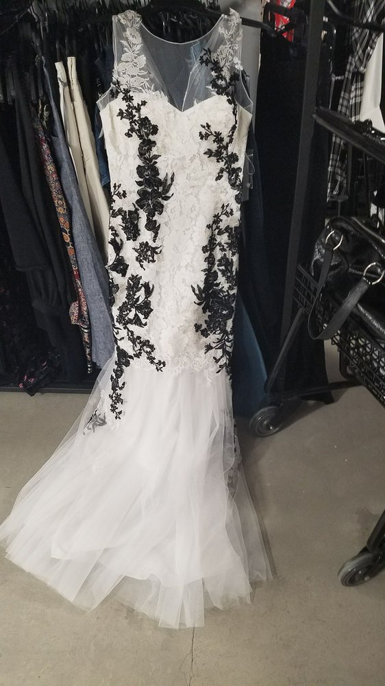 found a backup wedding dress for $250?! - Yelp