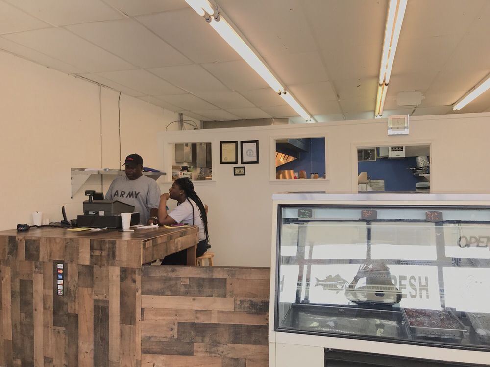 Breezy Seafood Market: 1314 Leesburg Rd, Columbia, SC