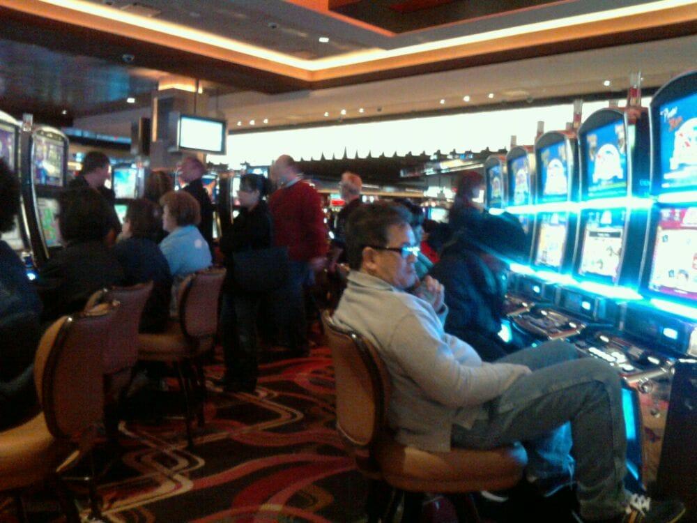Rivers casino des plaines il restaurants