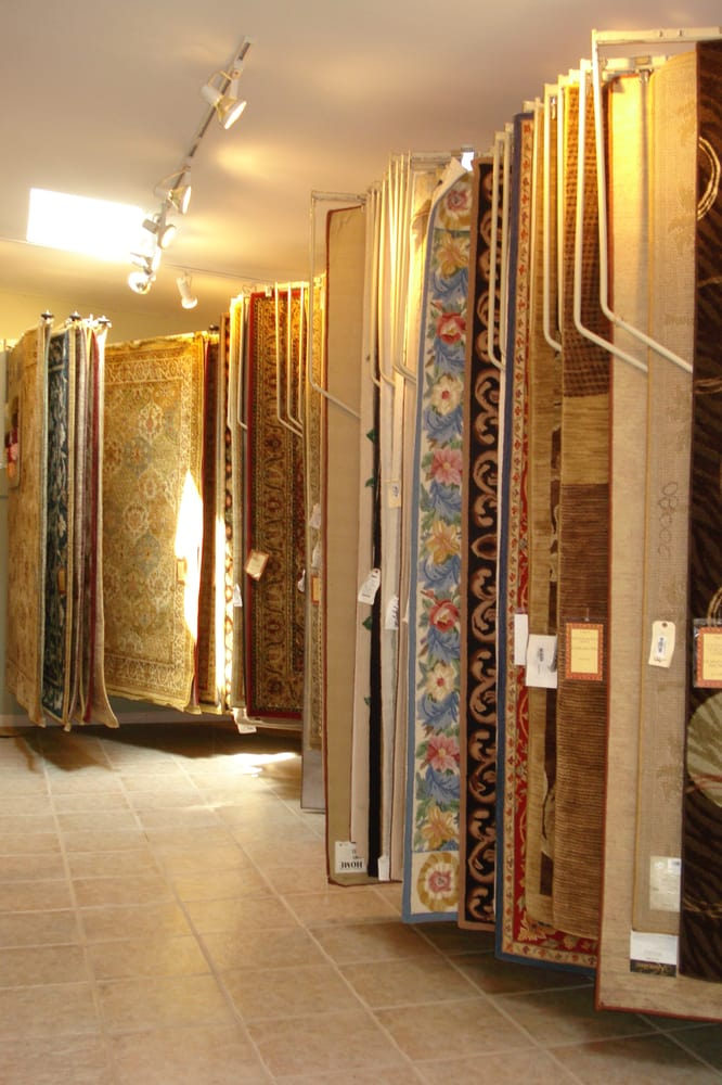 The Rug Merchant: 1019 Lincoln Ave, Evansville, IN