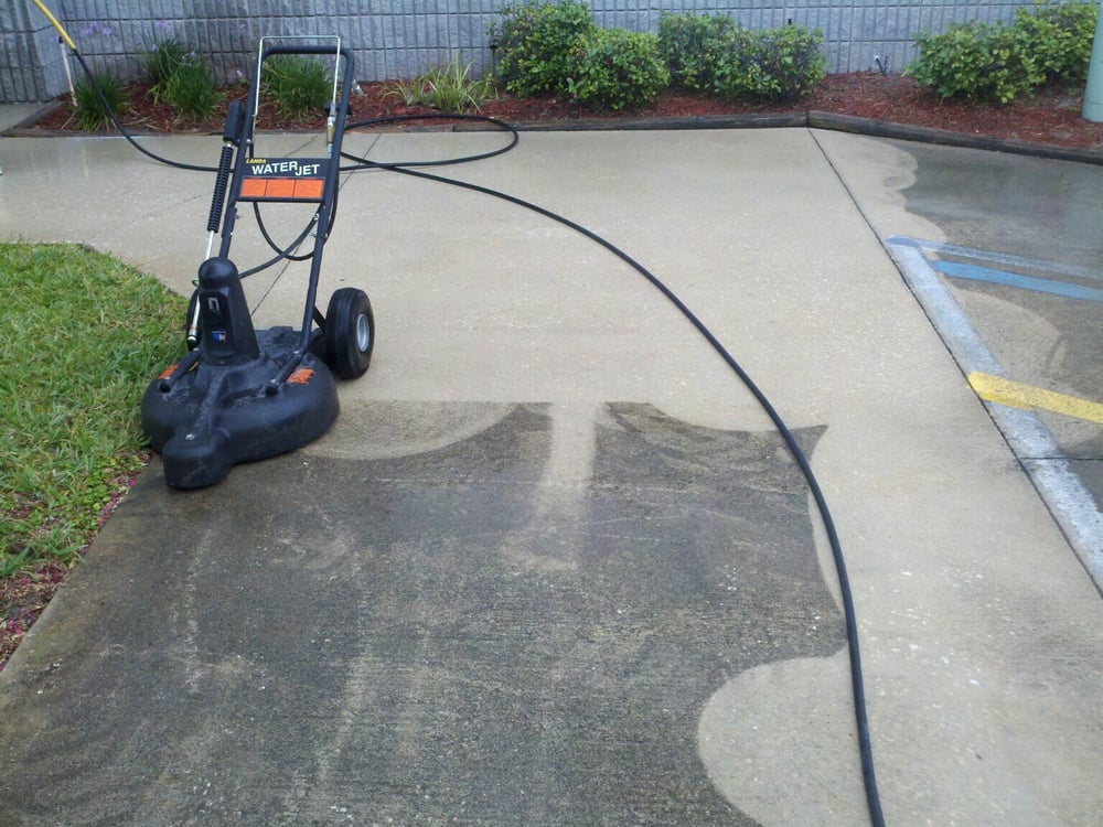 concrete cleaning before and after with commercial hot
