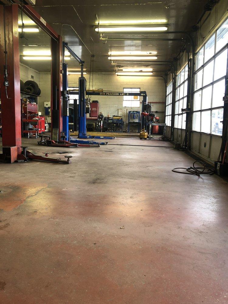Towing business in Tuckahoe, VA