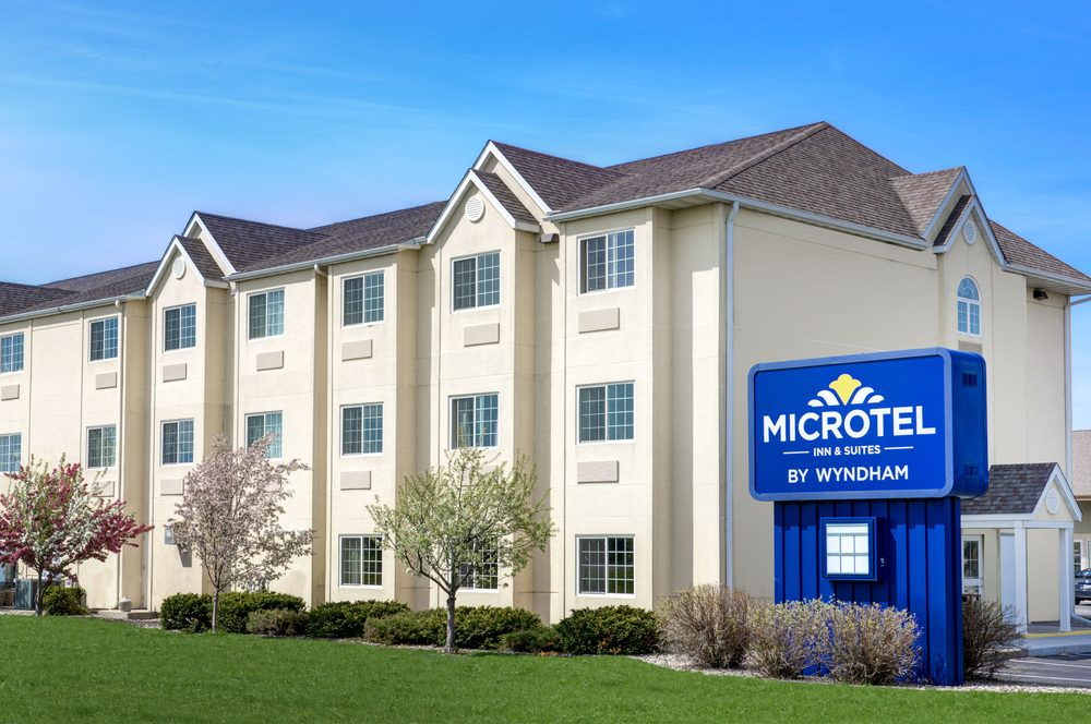 Microtel Inn & Suites by Wyndham Mankato: 200 St Andrews Dr, Mankato, MN
