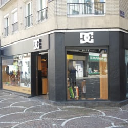 dc shoes magasins de chaussures 35 rue du sec arembault centre lille num ro de t l phone. Black Bedroom Furniture Sets. Home Design Ideas