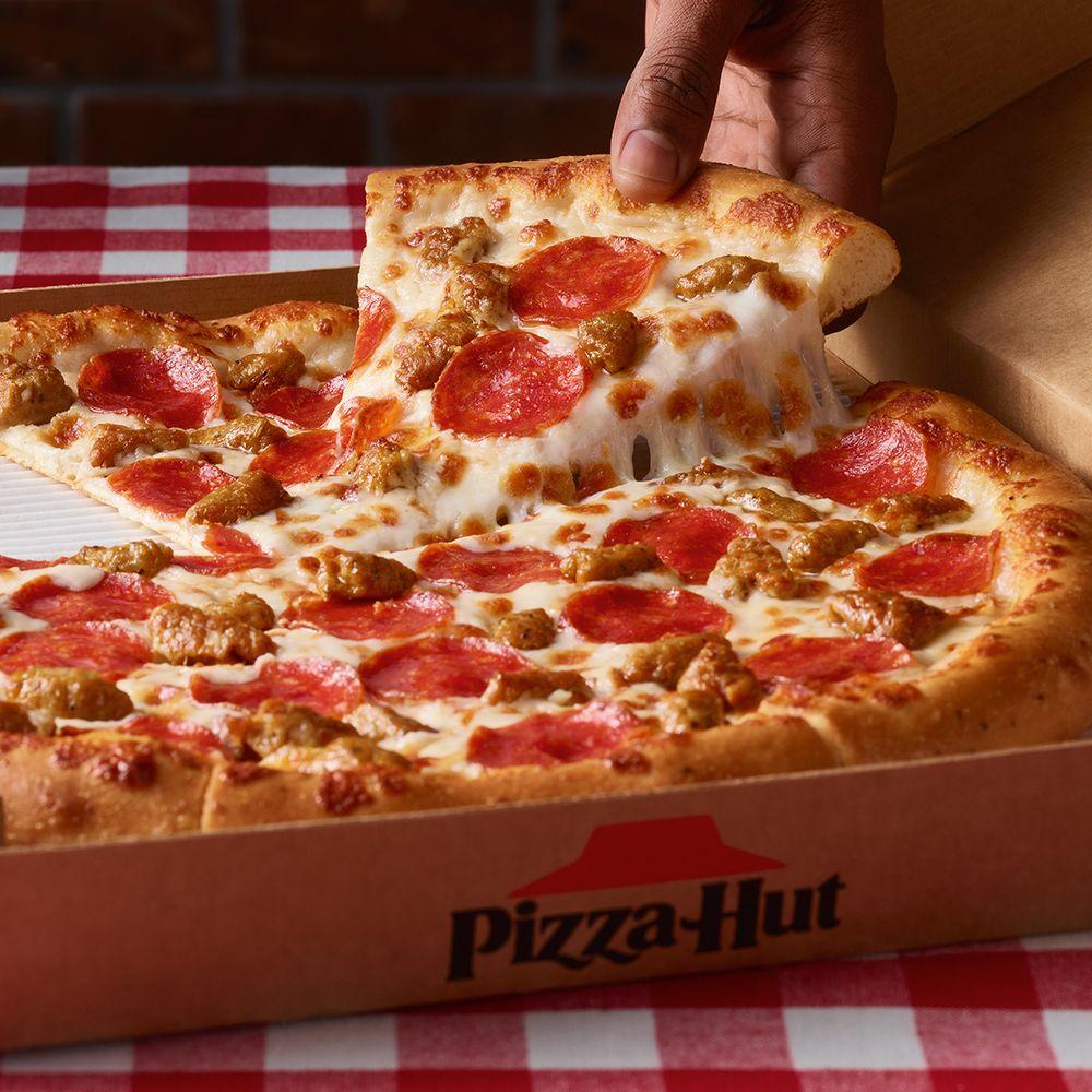 Pizza Hut: 677 Main St, Bridgeport, OH