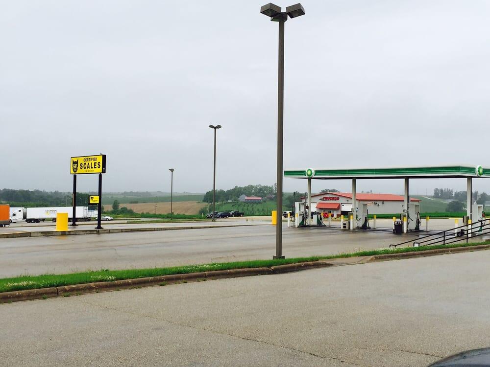 Belmont Travel Center: 102 W Mound View Ave, Belmont, WI