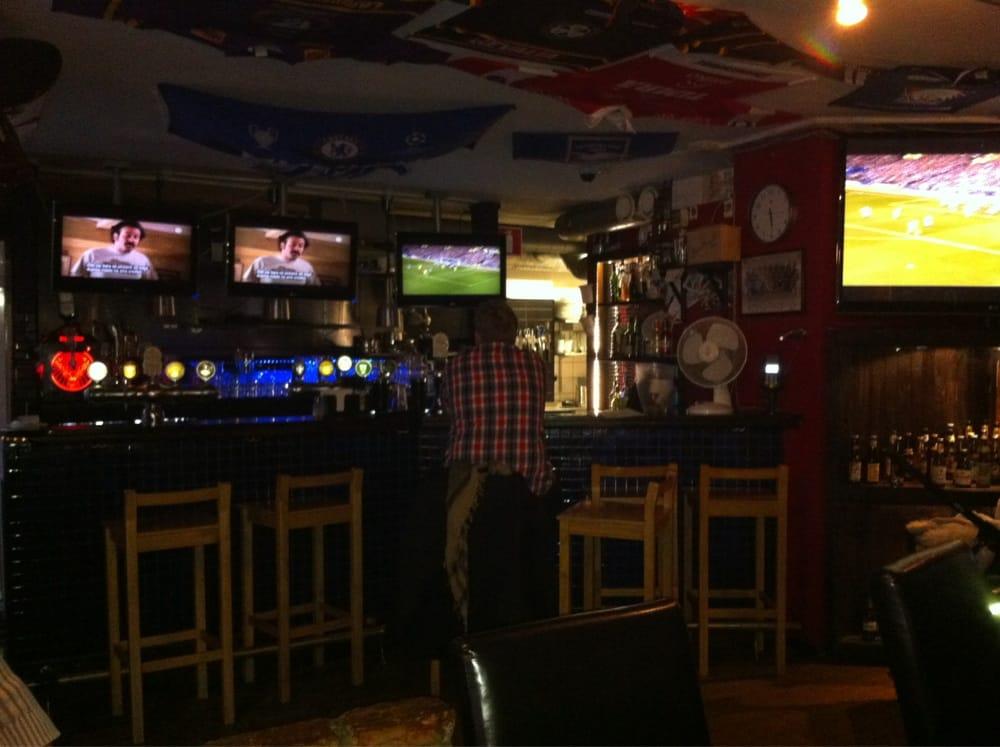 Plain Kitchen And Sports Bar