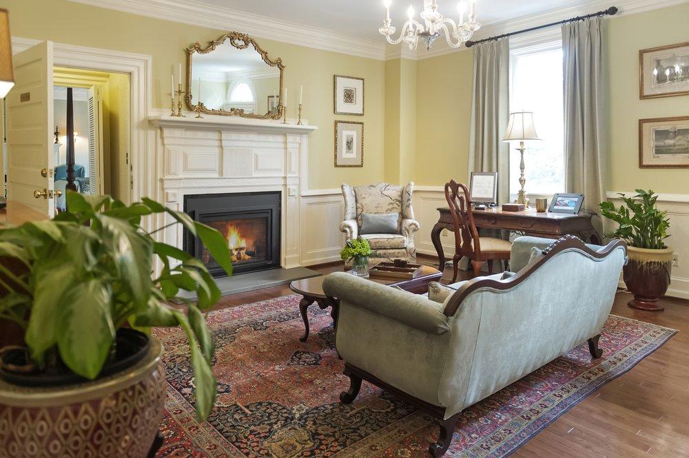 Arrowhead Inn Bed & Breakfast: 106 Mason Rd, Durham, NC