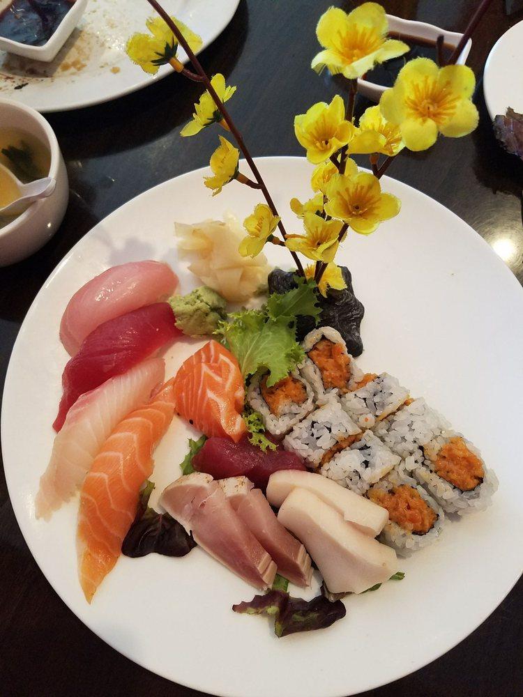 Photo Of Tomo Anese Restaurant Newnan Ga United States Sushi Sashimi Lunch