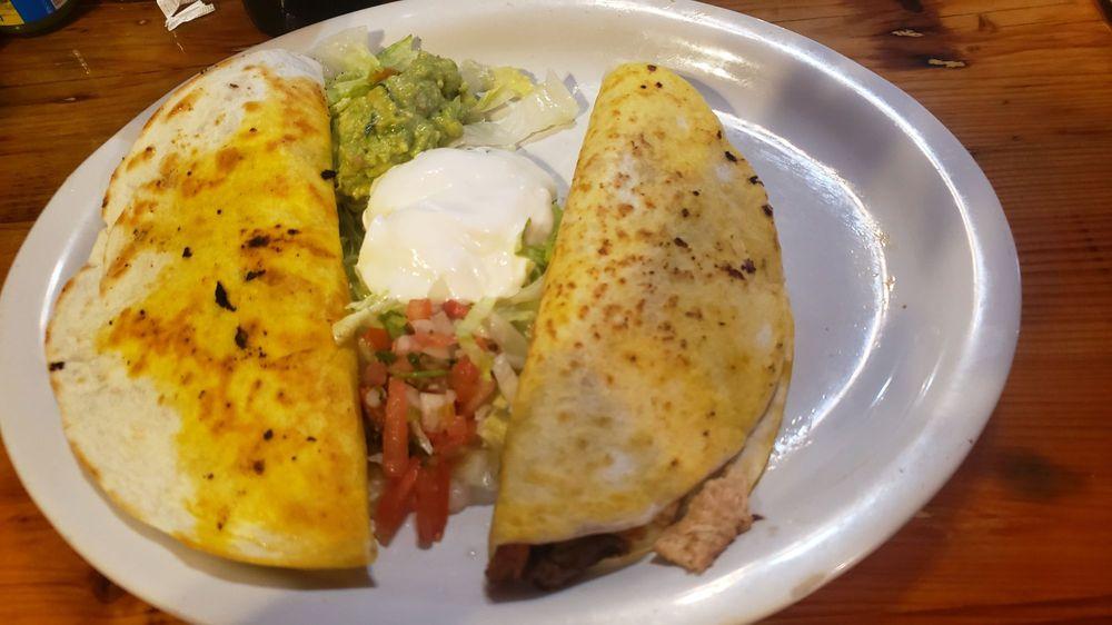 DOS Primos Mexican Restaurant: 114 W Main St, Bowling Green, MO