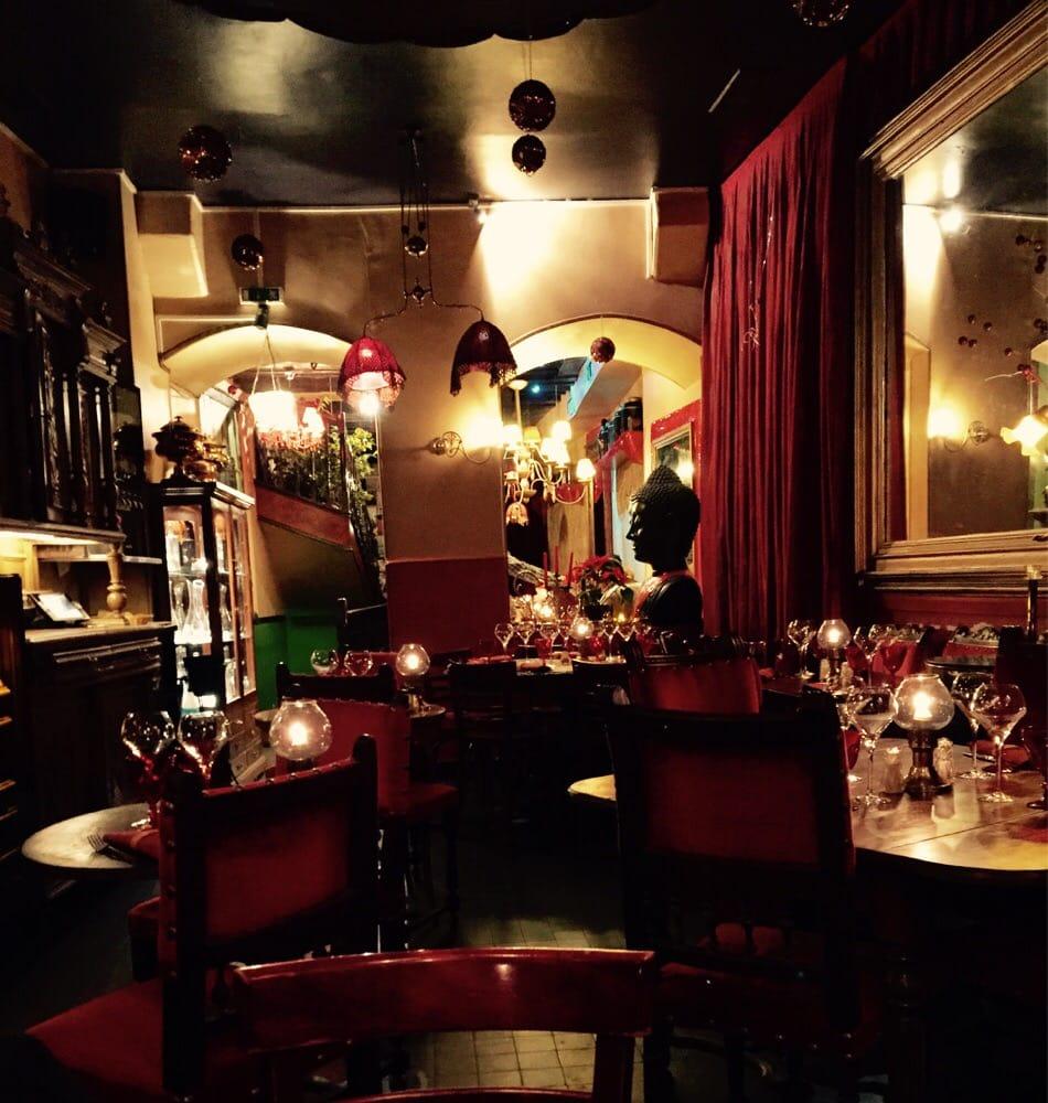 Restaurant Rue De Lanneau  Paris