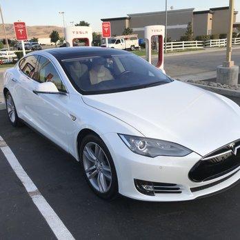 Tesla Supercharger Station - Tejon Ranch - 45 Photos & 23