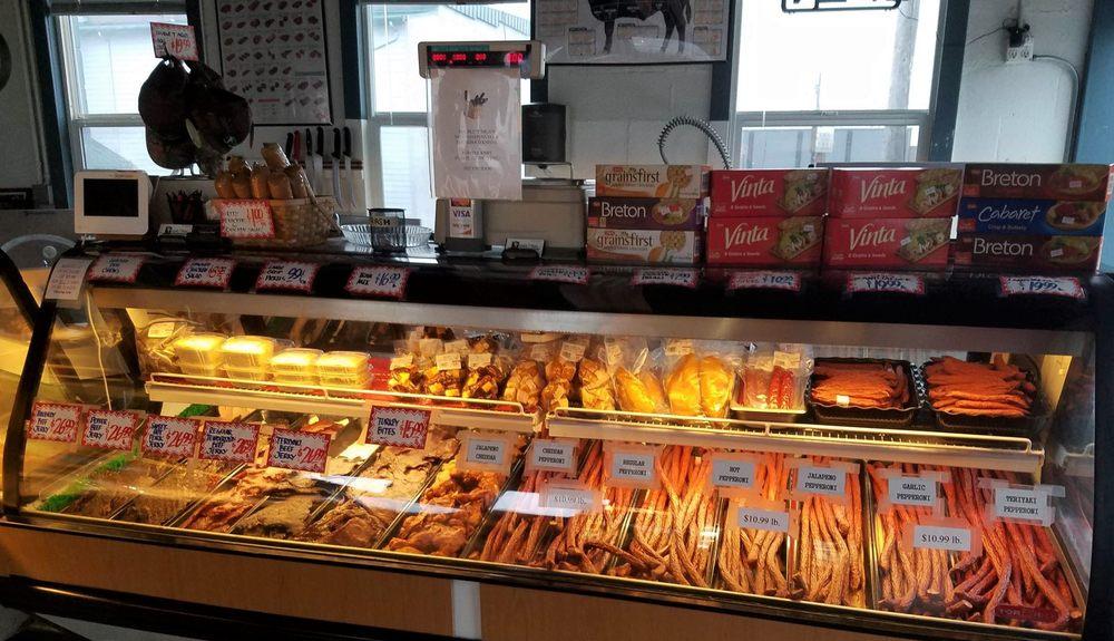 Double T Meats: 102 Center St W, Eatonville, WA