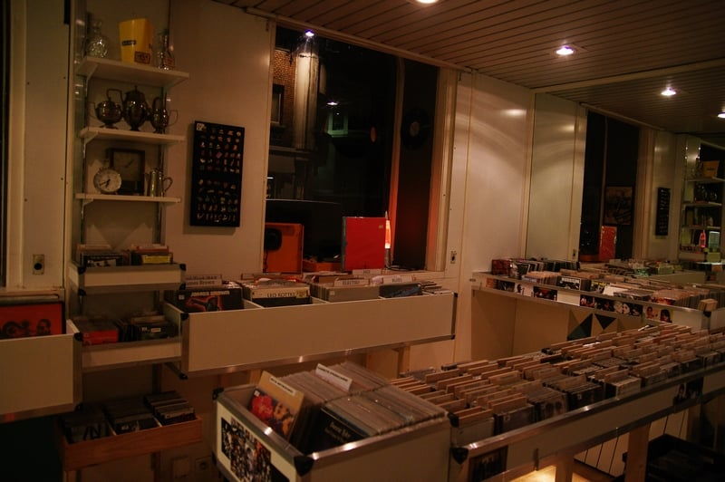 Dg vintage vinyl records 3 rue georges maertens centre lille france - Boutique vintage lille ...