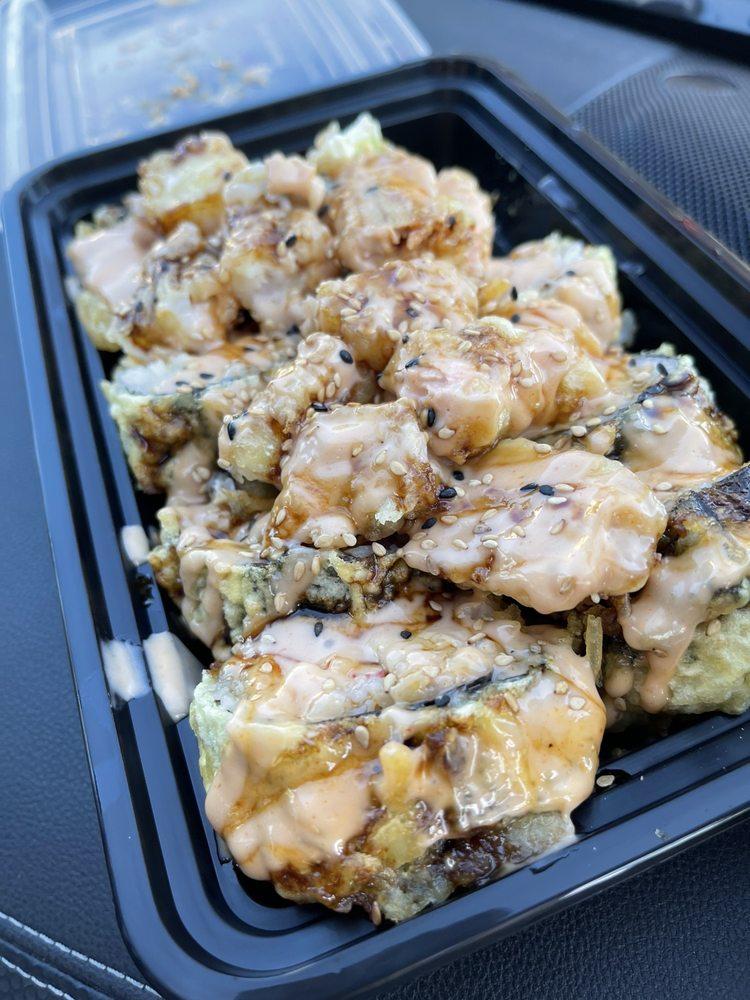 Food from TokyRoll Sushi & Poké