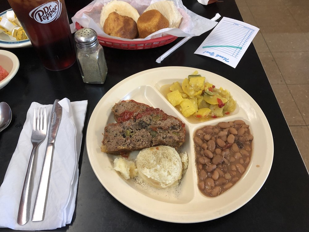 Pettys Steak and Catfish: 309 N Main St, Lindale, TX